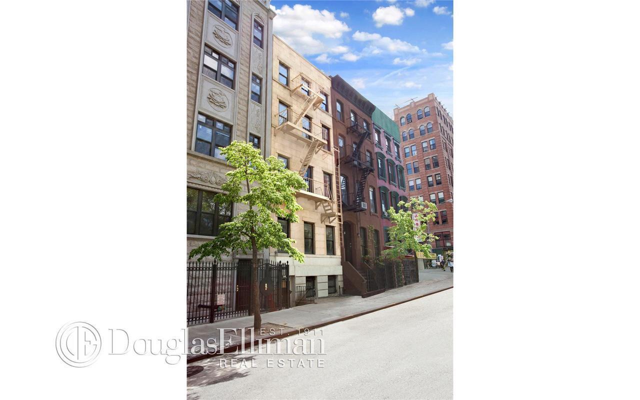 Townhouse | 150 Henry Street, New York, NY 2