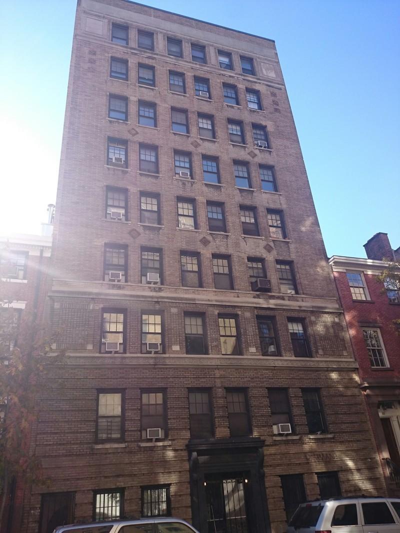 Greenwich village apartment buildings manhattan nyc for Nyc greenwich village apartments