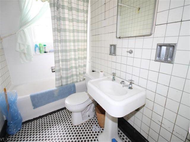 House | 1064 East 29th Street, New York, NY 11