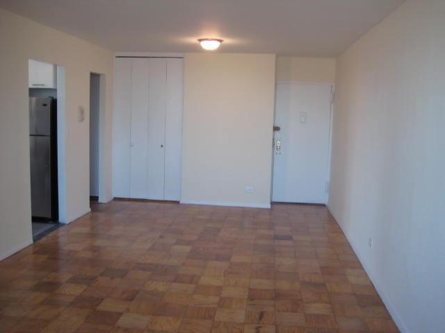 Streeteasy  3121 Middletown Road In Pelham Bay   9d