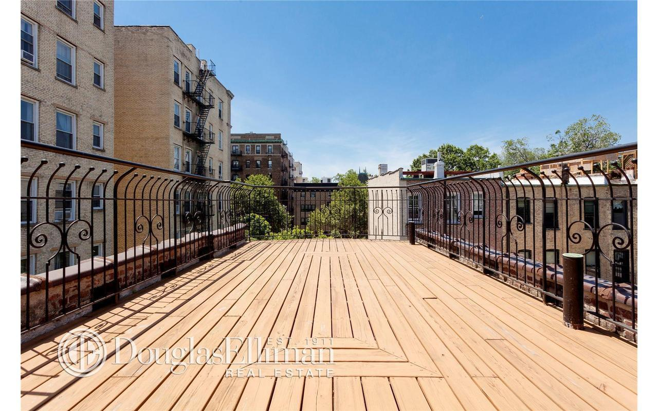 Townhouse | 646 2nd Street, New York, NY 17