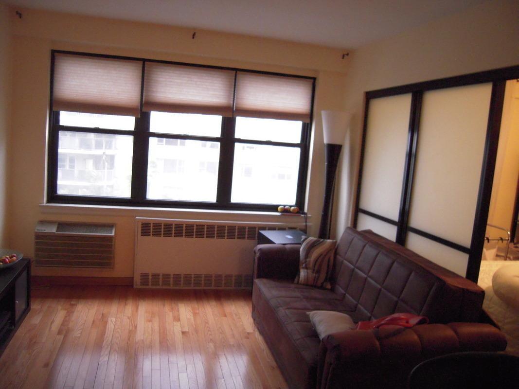 Streeteasy 301 east 63rd street in lenox hill 4h for Model apartment geffen