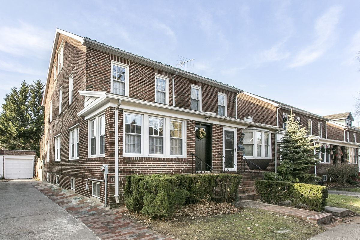 101 17 75th road in forest hills queens streeteasy for 107 terrace place brooklyn