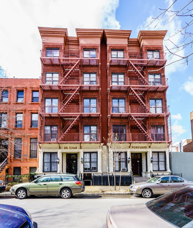 Naked Apartments: 1 Bedroom Rental At Saint James PL, Clinton Hill, Posted