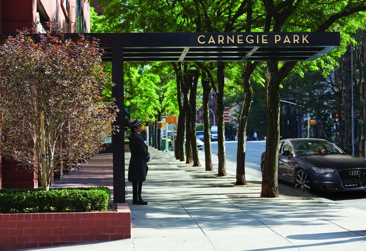 Carnegie Park Condominium At 200 East 94th St In