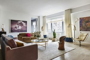 200 E 62 At 200 East 62nd St In Lenox Hill Sales