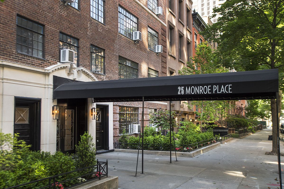 Condos After Dark Monroe Street Plans >> 25 Monroe Pl In Brooklyn Heights Sales Rentals Floorplans
