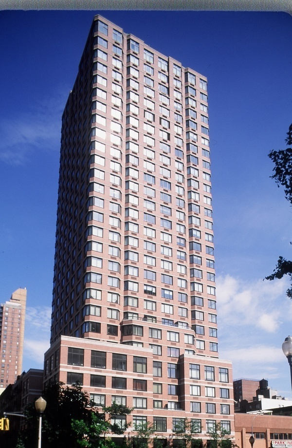 345e94 at 345 east 94th st in yorkville sales rentals for 41 river terrace manhattan