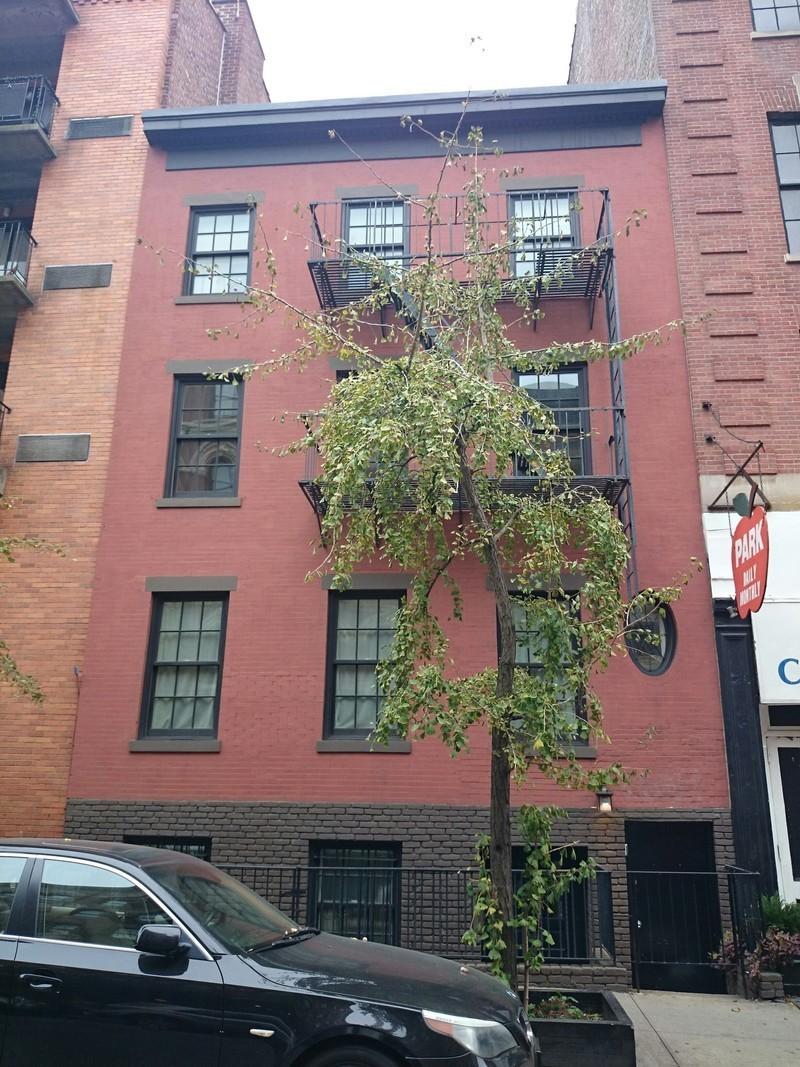 330 west 11 street in west village manhattan naked for Manhattan west village apartments