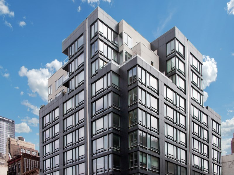 Onyx Chelsea At 261 West 28th St. In Chelsea : Sales