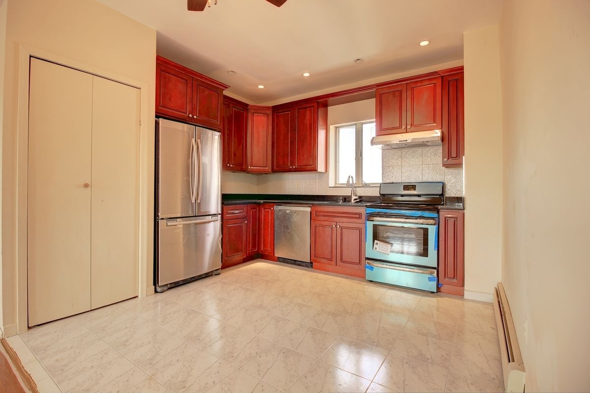 Streeteasy 8428 bay 16th street in bensonhurst 3b for Furniture 86th street brooklyn