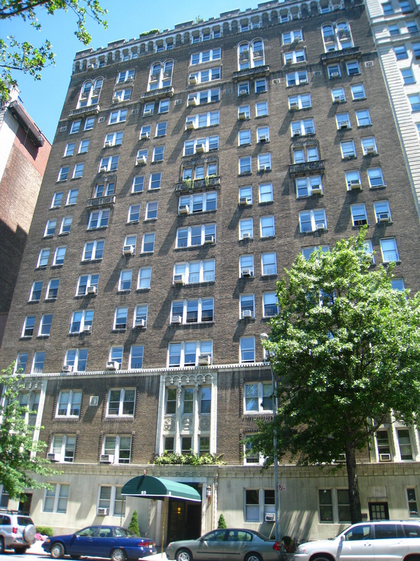 Building 25 West 81st Street
