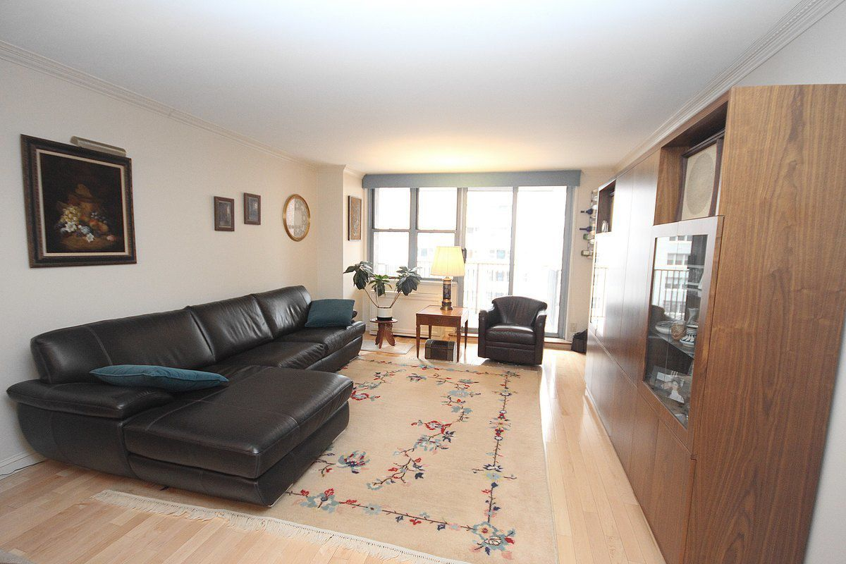 Living Room 86 Street streeteasy: 444 east 86th street in yorkville, #6g - sales